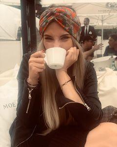 BRANDNEW 디자이너 Straberry 머리띠 여성 브랜드 실크 머리띠 최고 품질 브랜드 딸기 디자인 헤어 밴드 머리 여성 여자