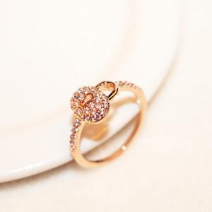 Корейский творческий замок микро инкрустированные циркона женщин кольцо роскошь 18k позолоченный супер вспышка простой дикий кольцо моды розового золота кольца ювелирных изделий подарок