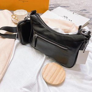 2020 new ladies designer handbag chest bag ladies soft leather crossbody P bag size 26 * 18M wholesale price