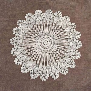 70 80 90 CM RD Shabby Chic 2 Sizes Vintage Crocheted Tablecloth Handmade Crochet Coasters Cotton Lace Cup Mat Placemat Y200421