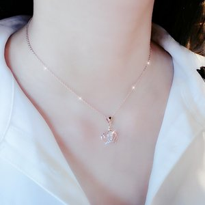 Su Xin Swan Necklace Female Clavicle Chain Simple Pendant Rose Gold Short Section Japanese and Korean Accessories Temperament Necklace