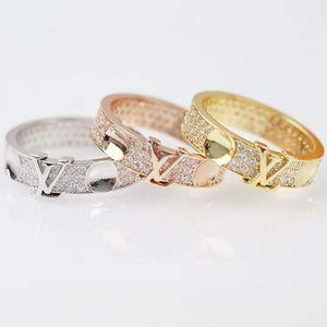 American hot sale hot style fashion diamond ring Luxury custom fashion high-end ring