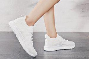 2020 respirável For Men Socks Sneakers Outdoor Esporte Sapatos Super Light treinamento Homens Sneakers Basket