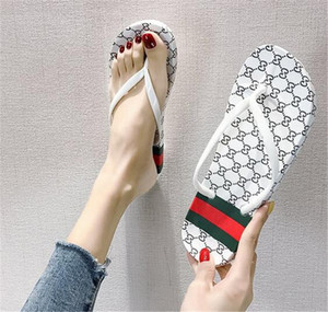 Оптовые и розничные мужчины и женщины обувь летом сандалии тапочки 2020 новых лета мужские сандалии плоские тапочки женщин моды случайные флип-флоп