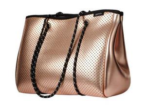 Bolso impermeable al por mayor modificado para requisitos particulares Metallic Perforated Trip Fashion Beach Bag Bolsa de neopreno Tote para mujeres neopreno ejwui