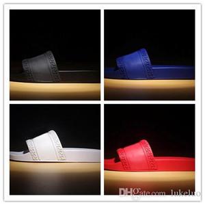 2019 Herren Damen Designer Hausschuhe Sommer huaraches Hausschuhe schwarz weiße Müßiggänger Mode Wohnungen Leder Mode Scuffs Strandschuhe