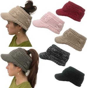 Sombreros de diseñador Sombrero Gorro de lana de punto Ponytail Gorro de cola de caballo Gorro de invierno suave Mujeres Slouchy Gorros Sombrero De moda Messy Bun Warm Caps fg018