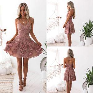 2020 Dusty rosa cintas de espaguete Vestidos Homecoming Floral Lace apliques Criss Cross Backless Curto Cocktail Party Prom Dress BC0121