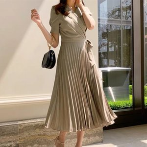 Runway New 2020 Summer Women Fashion Dress Bow Lace up Short Sleeve Dress Big Swing High Waist Pleated Midi Vestidos
