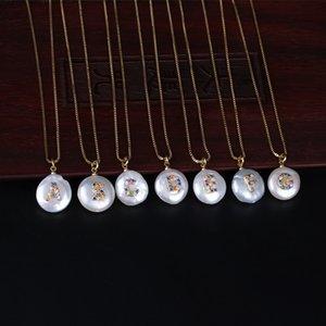 Rainbow Colors CZ Cubic Zirconia 26 iniciais Carta Natural Coin pérola de água doce pingente de ouro colares para as mulheres meninas jóias