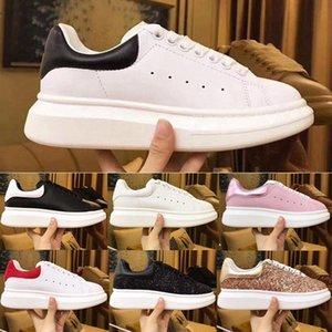 Womens Düz Günlük Ayakkabılar Lady Siyah Kırmızı Pembe Tasarımcı Sneakers Sz 36-45 İçin Kutu Yeni Moda MQ Lüks Beyaz Deri Platformu Ayakkabı ile