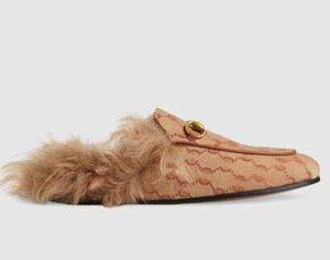Роскошные дизайнерские кожаные сандалии мокасины меха Muller туфли с пряжкой Мода женщин Princetown Женской Повседневной Fur Мулы Квартира Нью туфлей 11