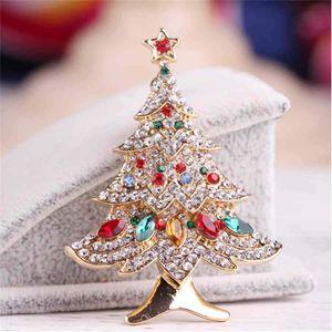 De nouveaux cadeaux de Noël européens et américains de diamants de haute qualité foulard de soie d'automne Broche arbre de Noël boucle Broche bijoux décoratifs