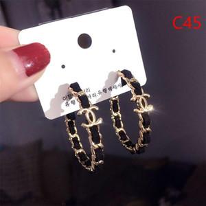 2019 Frauen arbeiten runde Ohrringe mit Perlen-Brief Anhänger baumeln Leuchter-Ohrringe Schmuck