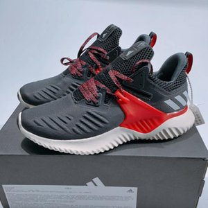 2020 Nuovo Designeroutdoor Running Shoes Scarpe Uomo Designerruning traspirante di alta qualità Sport Trainning Brandshoes AD01 20022109W