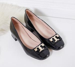 2019 Mujeres botón de metal Kitten Heel Zapatos de vestir Zapatos de boda de cuero brillante mujer tacón alto plataforma de tacón grueso zapatos de moda punta redonda