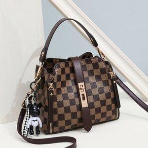 Luxury Handbags Women Designer Cross Body Bags. 2020 New style For Women Strip Shoulder Bag. High Quality