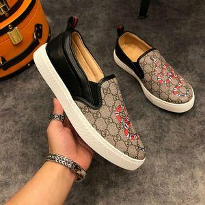 Yeni dekolteli erkek ayakkabıları patlama modelleri sıcak üst lüks düz ayakkabılar 38-45 klasik tarzda ayakkabı üreticileri promosyonlar
