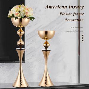 Nuevo diseño de metal centros de mesa Jarrones de lujo Evento Road Flower principal partido de Romantic Home Hotel Decoración