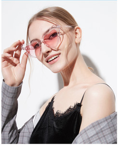 Love Heart Shaped Солнцезащитные очки Женщины Vintage Cat Eye Sun Glass Мод Стиль Ретро очки Модные очки Clout Goggle для женщин