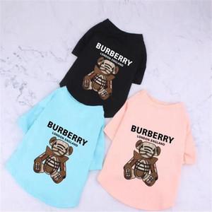 INS Moda Baskılı Pet T-shirt Moda Letter Tasarımcı Pet Gömlek 3 Renkler Yaz Nefes Bichon Schnauzer Giyim