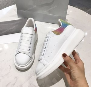 2019 new Designer Casual Shoes Women Mens Daily Skateboarding Shoe Luxury Glitter Shinny Trendy Platform Walking Trainers rainbow shoes