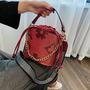 Retro stampa Ins Super Secchio antincendio Bag Donna 2019 Nuova Rete Rosso Disegnato con il piccolo sacchetto con spalla larga trasversale propenso