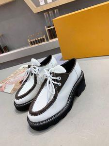 أزياء جديد beaubourgs منصة الأحذية ديربي الدانتيل يصل الأحذية الأبيض الأسود زهرة المرأة عارضة الأحذية مع مربع حجم 35-42