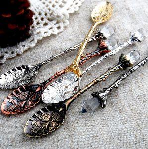 Royal métal cuillère Sculpté cuillères à café Forks avec Crystal Head Cuisine fruits Dessert Crème glacée cadeau Scoop Métal Cuiller KKA7926