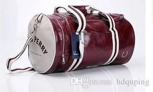 Oferta especial 2017 Nueva bolsa de deporte al aire libre de alta calidad PU suave Leatherr bolsa de gimnasio, bolsa de viaje de equipaje de hombres, envío gratis