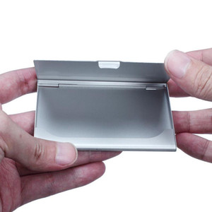 حامل 100pcs التي الأسود بطاقة الأعمال في حامل الجيب اسم بطاقة الائتمان رقم الأعمال معدن غطاء صندوق القضية الألومنيوم بطاقة الأعمال حامل معدني