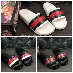2019 negro blanco NUEVO Diseñador de la zapatilla Pantalón inferior para hombre Sandalias a rayas causales Huaraches de verano antideslizantes deslizar chancletas zapatilla