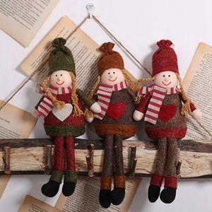 Decoraciones de Navidad no tejida niñas postura sentada Ornamentos colgantes creativo de la muñeca de la decoración DIY Decoración del Año Nuevo