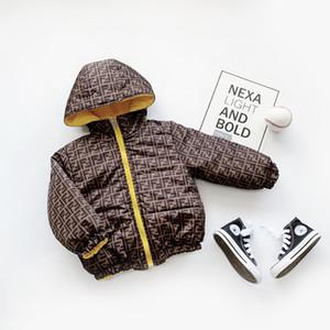 Designer crianças Casacos de inverno GirlsFashion bebê Outwear para baixo algodão acolchoado Jacket Crianças Jacket Baby Girl Brasão Designer