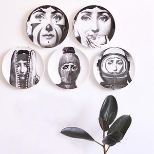 Retro Zuhause-Wand-Dekoration Hängen Runde Keramik gedruckt Portrait Teller Durable Coffee Shop Home Wand-Dekor-8-Zoll-Platten DH0728-3 T03