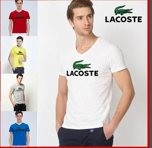 les nouveaux t-shirts de la marque de mode masculine 2019 sont monogrammés et sont disponibles dans une variété de couleurs, avec des tailles standards disponibles pour référence