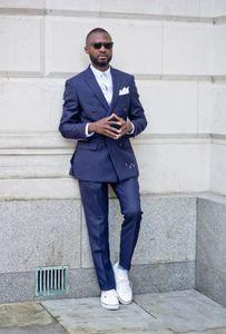 Новый последний дизайн двубортный темно-синий свадебный жених смокинги пика отворотом жениха мужчины костюмы выпускного блейзер (куртка + брюки + галстук) 099