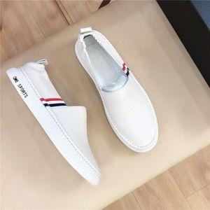 2020 zapatos casuales de los nuevos hombres de cuero de lujo de diseño seleccionado antideslizante suela size38-44 ambiente confortable y con estilo transpirable