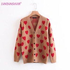 LUNDUNSHIJIA 2017 New Autumn Women's Sweater Sweet Cute Peach Hearts Printed Fashion Cardigan Outerwear Female Sweater