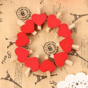 10pcs / lot Mini Clips en bois coeur Pegs rouge Papier photo de mariage d'amour de décoration intérieure Clip Craft Birthday Party Supplies