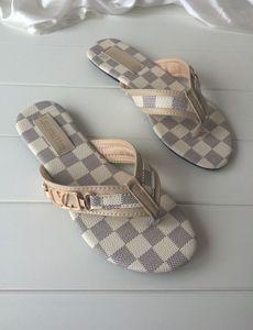 062 Women Slide Sandals Designer Shoes Luxury Slide Summer Fashion Wide Flat Slippery With Thick Sandals Slipper Flip Flops size 35-42