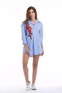 Para mujer de diseño de bordado Rose camisas de las mujeres de rayas más el tamaño de la moda de primavera Mujer Blusas de la solapa del cuello con la camisa de manga larga