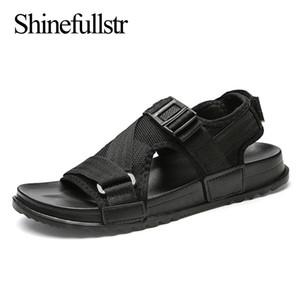 Büyük beden sandalet erkekler 2019 yaz ışık sandalias ayakkabı gündelik düz sandles hombre siyah gri sandal 48 49 MX200617 açık ayak mens