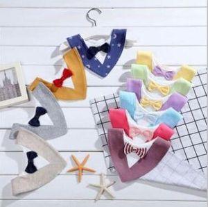 Baberos para bebés Burp Cloth impermeable infantil del babero toallas de algodón suave Niños pajarita eructar Triángulo baberos baberos niños pequeños baba del delantal de 10Colors D34