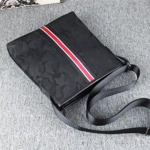 Fábrica al por mayor hombres bolso impermeable Oxford tela hombres mensajero bolsa vertical cremallera decoración bandolera camuflaje hombres bolsa