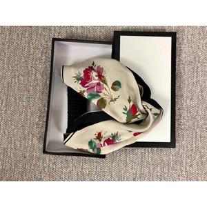 2020 Seidenkreuz geknotete Frauen Stirnbänder Mode Luxus Mädchen Blumen Haarbänder Schal Haar Zubehör Geschenke Heißer Verkauf Beste Headwrapps