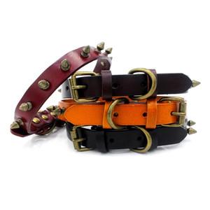 Les derniers modèles American Style pur tête couche de peau de vache cuivrés Rivets de haute qualité Chats Collier pour chien de luxe et chiens Collier Pet Supplies