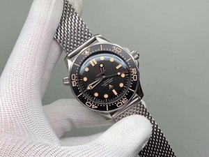relógios de luxo Mens Edição Limitada Skyfall Homens Mestre James Bond 007 Diver 300M Relógios marca 50º Designer Tecido Relógio de pulso