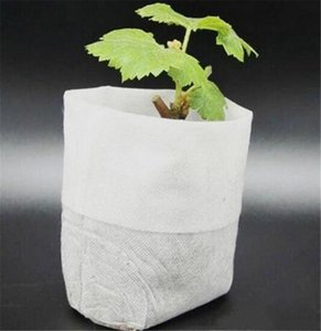 Lawn Hot Patio 100pcs / Pack Garden Supplies Environmental Protection Non-woven Outs Outs Seedling Raising Bags 8 * 10cm Fabrics white