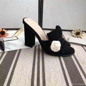 Femme classique Sandales Lady Summer luxe Designer Sandales Boucle en métal Cuir chaussures sexy à talons hauts talon grossier10cm Mules pantoufles 34-42